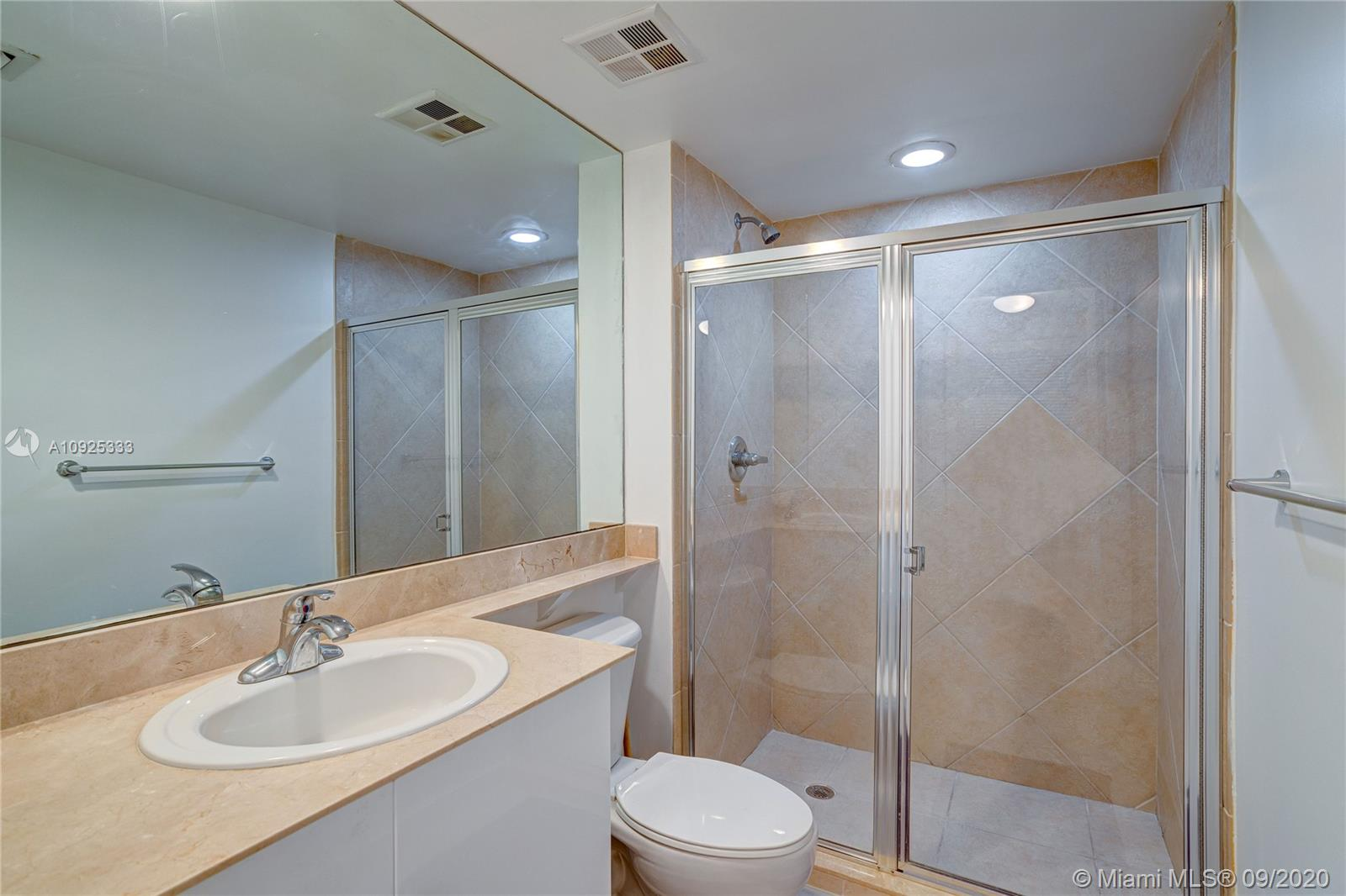 325 S Biscayne Blvd #1821 photo039