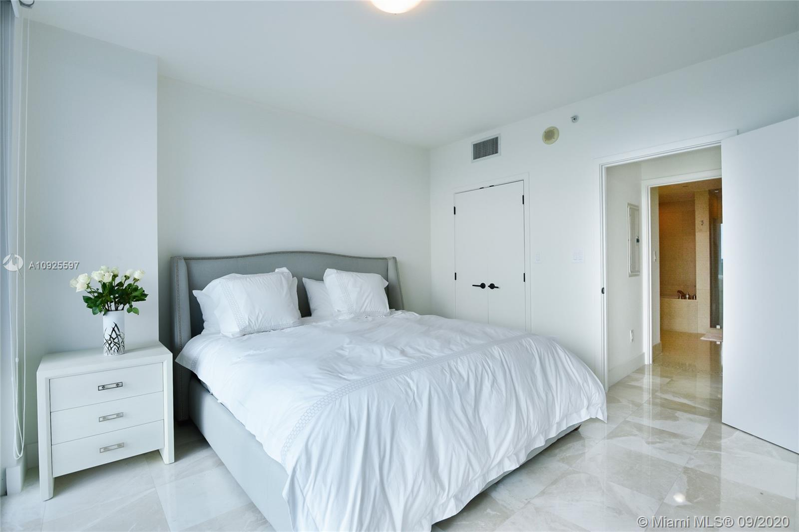 6799 Collins Ave #1201 photo05
