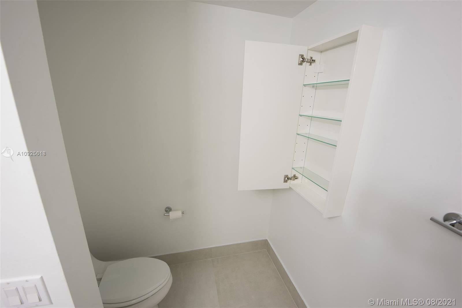 90 SW 3rd St #2411 photo019