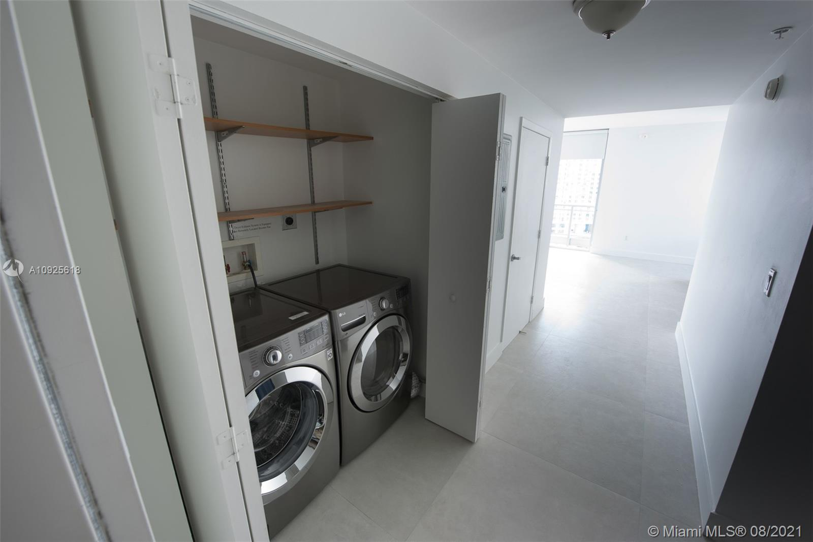 Photo of 90 SW 3rd St #2411 listing for Sale