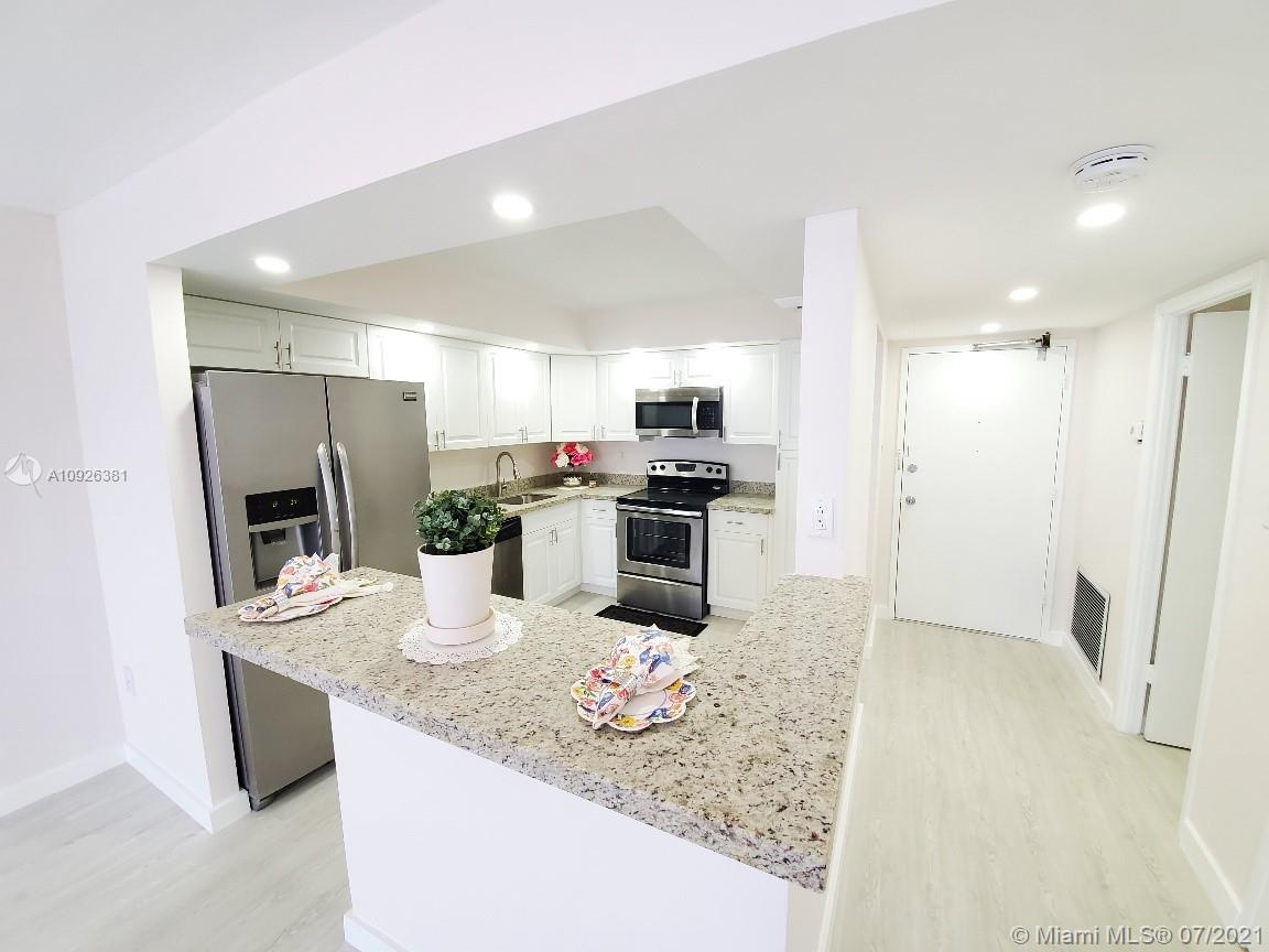 18011 Biscayne Blvd #503 photo02