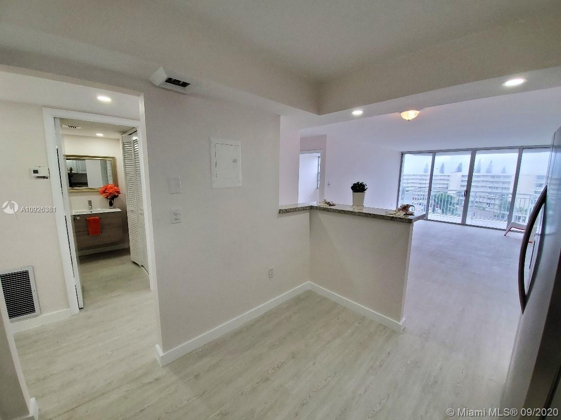 18011 Biscayne Blvd #503 photo06