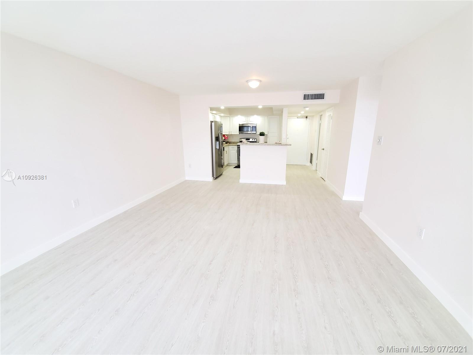 18011 Biscayne Blvd #503 photo013