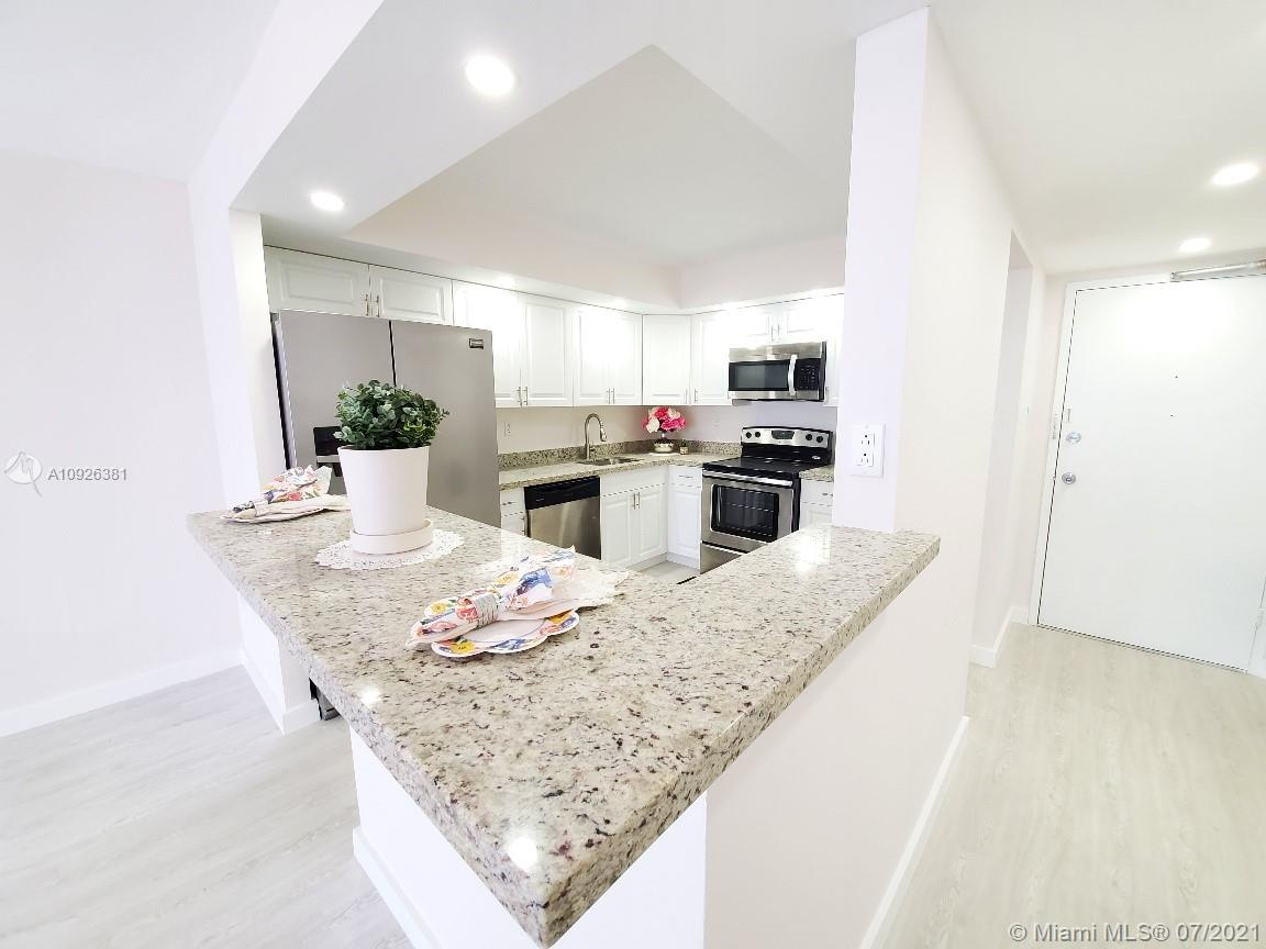 18011 Biscayne Blvd #503 photo05