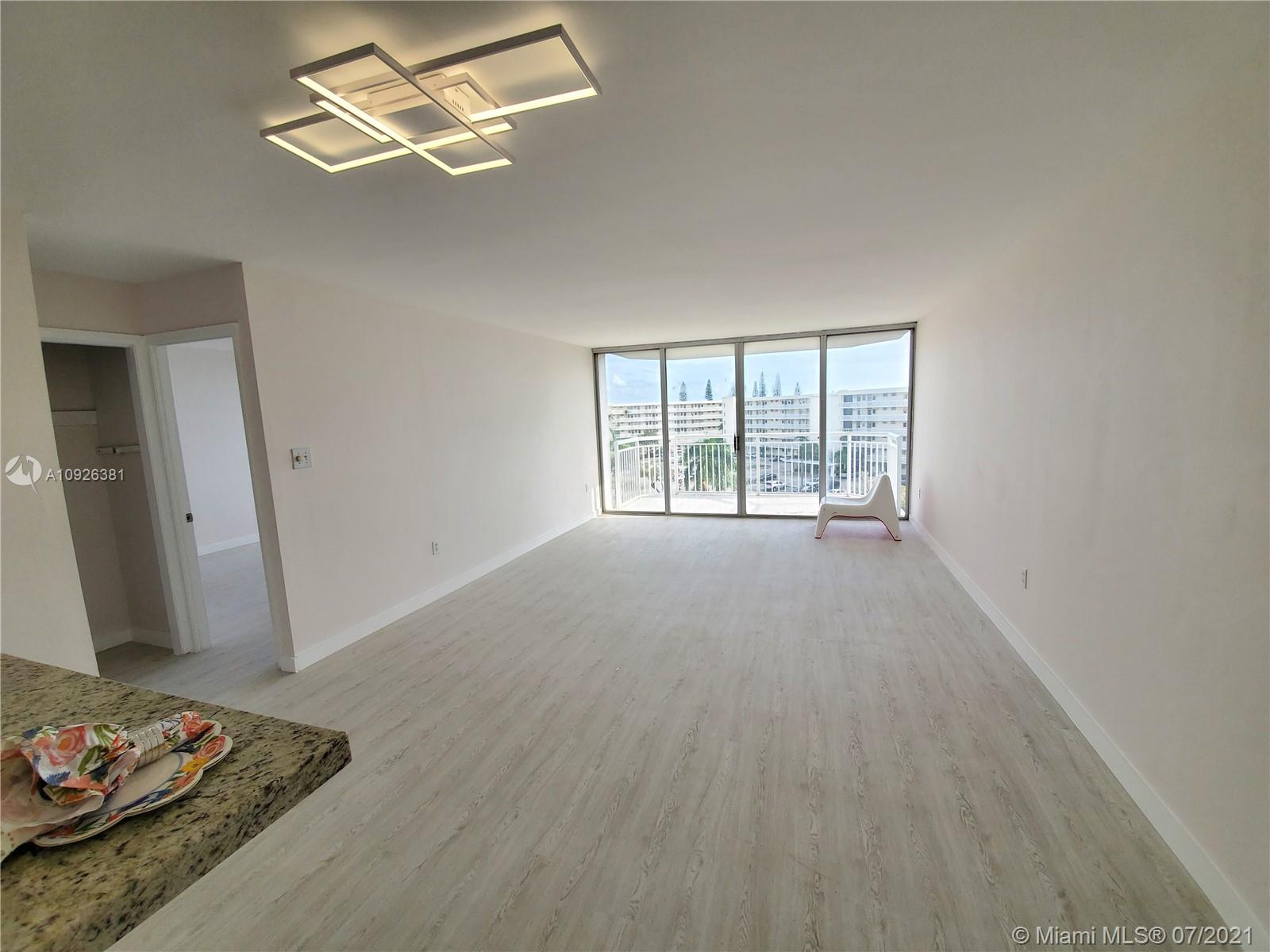 18011 Biscayne Blvd #503 photo014
