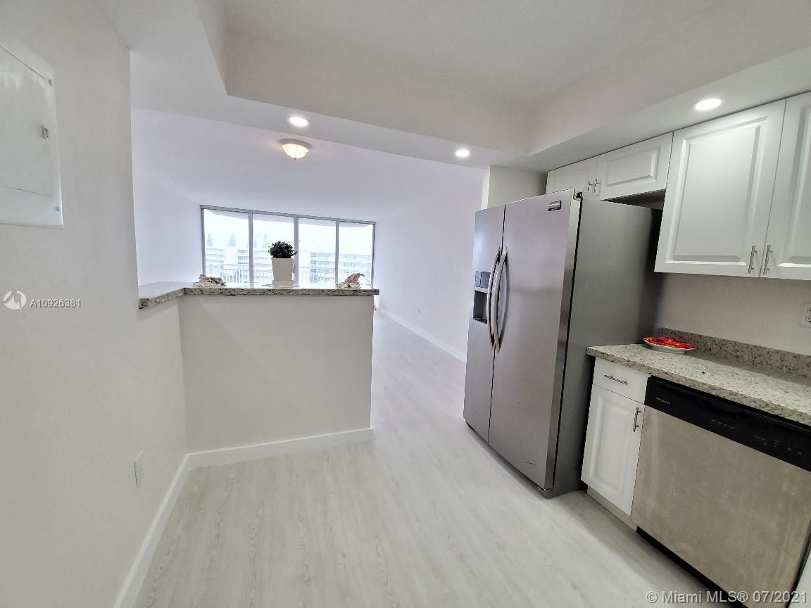 18011 Biscayne Blvd #503 photo04