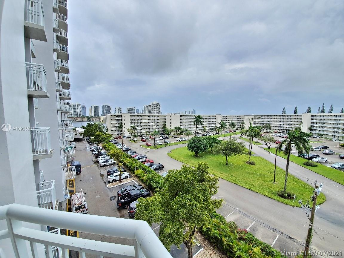 18011 Biscayne Blvd #503 photo021