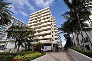 1621 Collins Ave #208 photo01