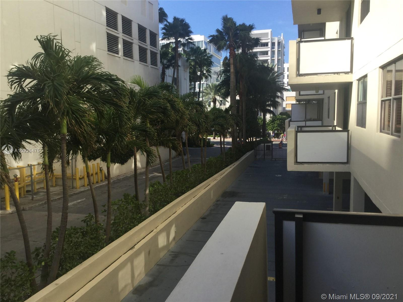 1621 Collins Ave #208 photo020