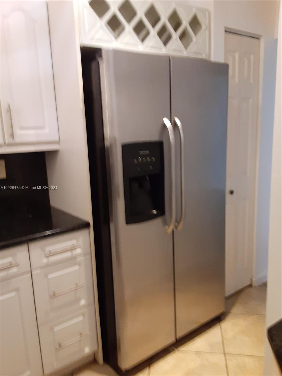 1621 Collins Ave #208 photo015