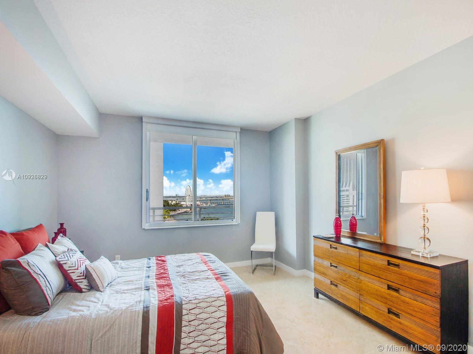 335 S Biscayne Blvd #1010 photo06