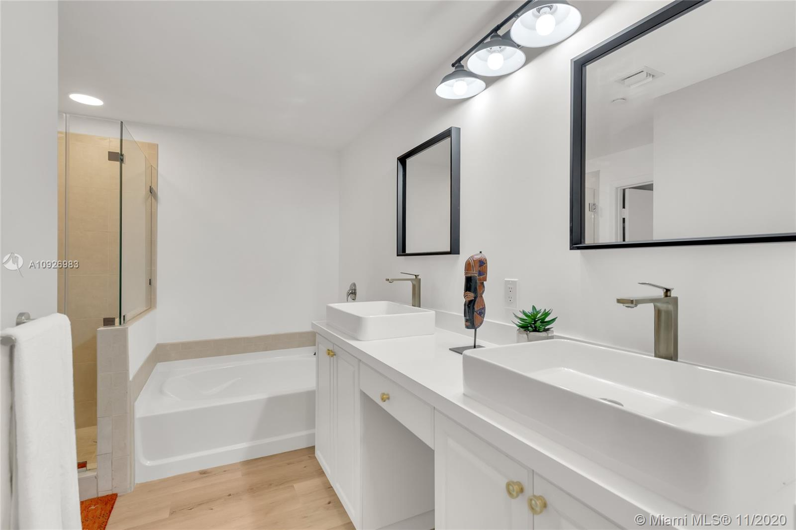 Photo of 3340 NE 190th St #407 listing for Sale