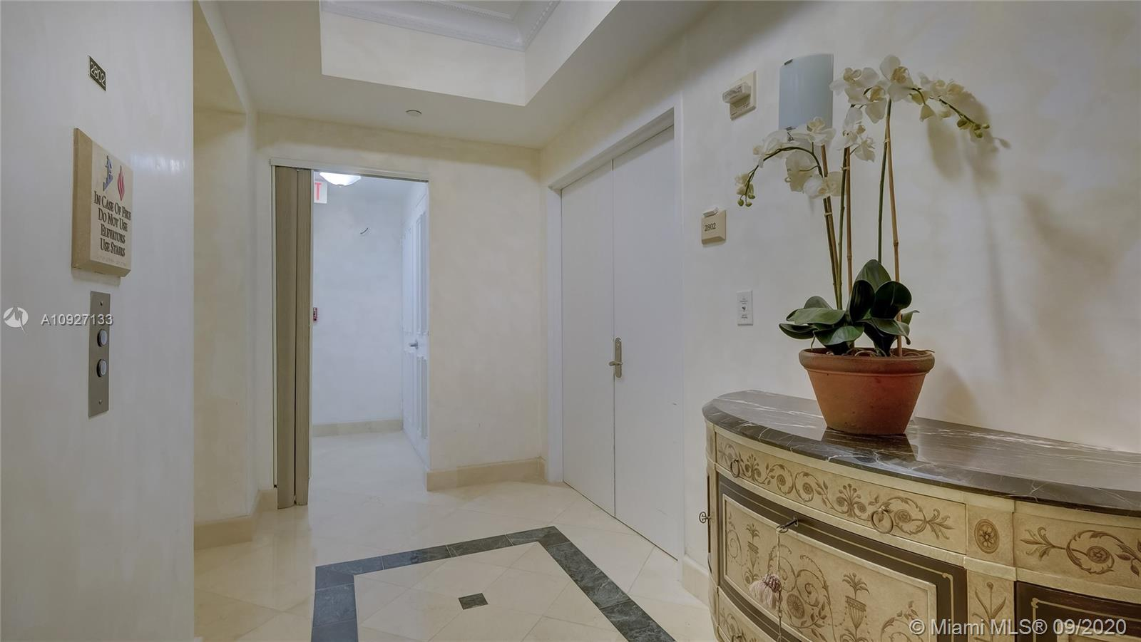 17875 Collins Ave #2802 photo02