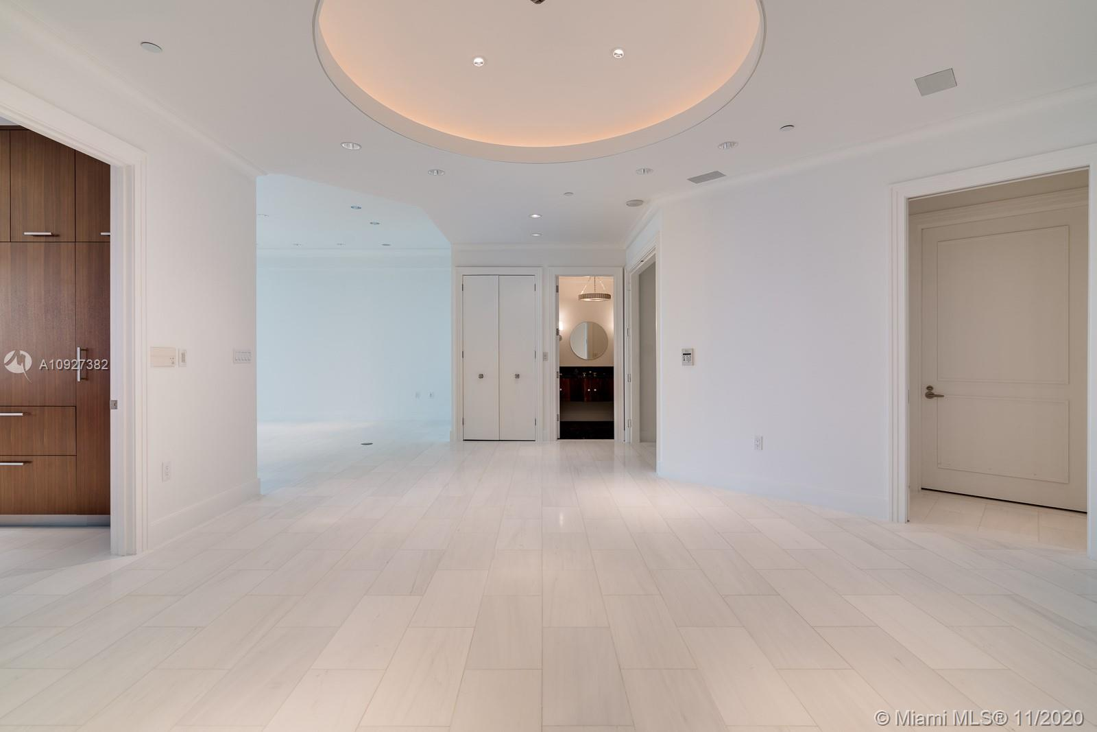 16047 Collins Ave #3301 photo05