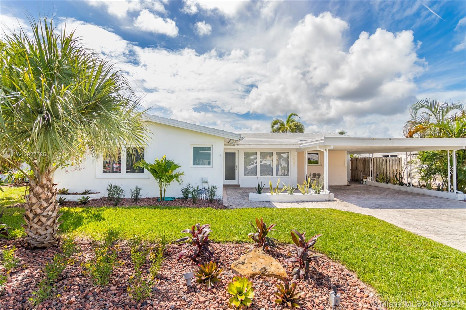 Property for sale at 2425 NE 18th Ave, Wilton Manors,  Florida 33305