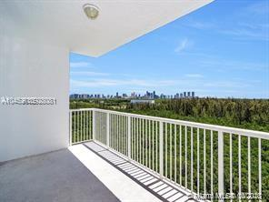 One Fifty One At Biscayne #1008 - 14951 Royal Oaks Ln #1008, North Miami, FL 33181