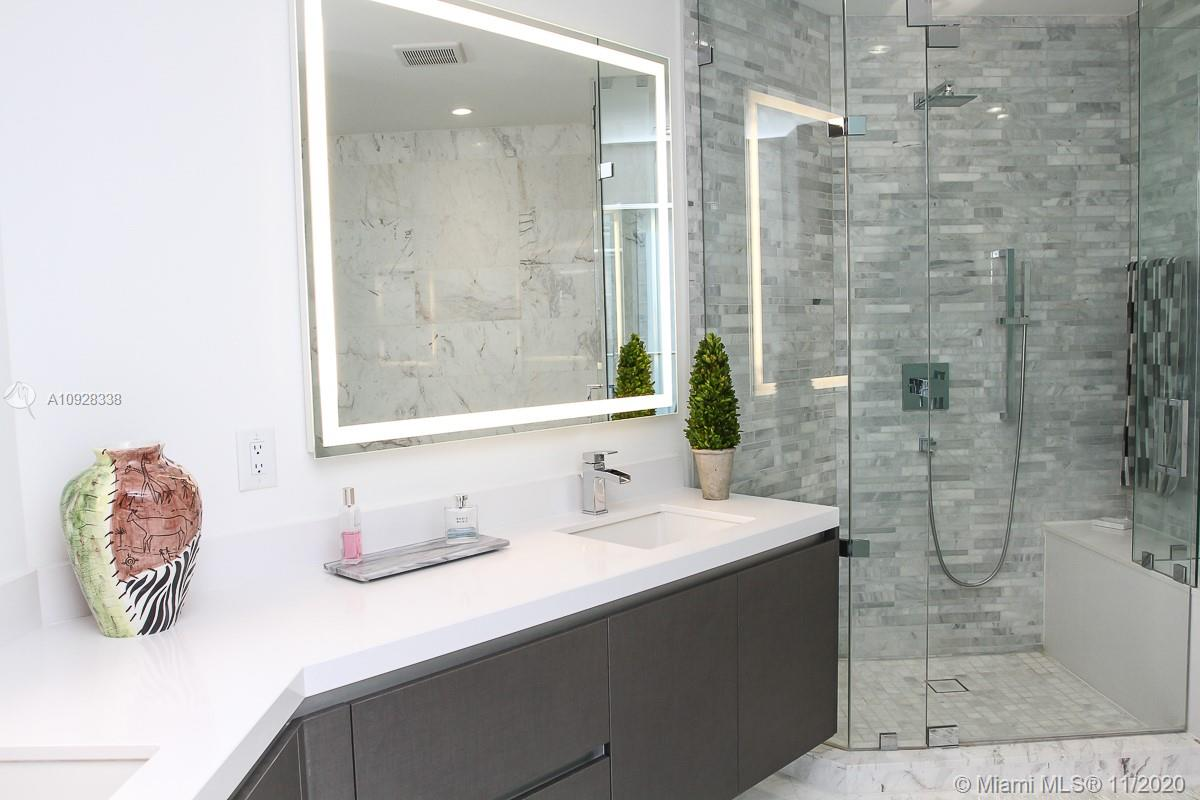 Photo of 851 NE 1st Ave #2909 listing for Sale