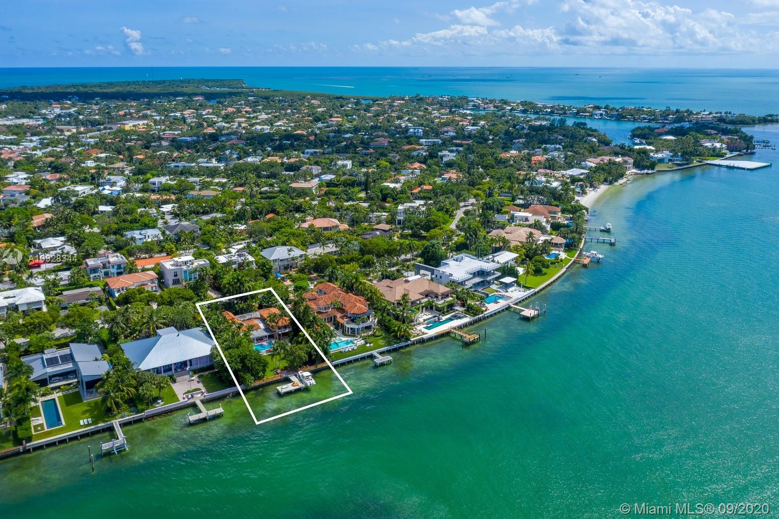 Photo of 290 Harbor Dr # listing for Sale