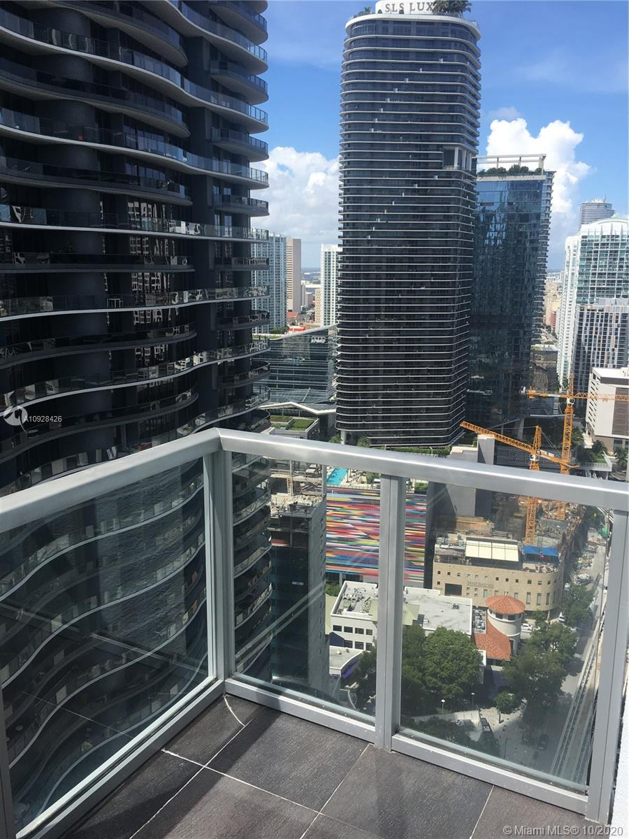 1050 Brickell Ave #3418 photo02