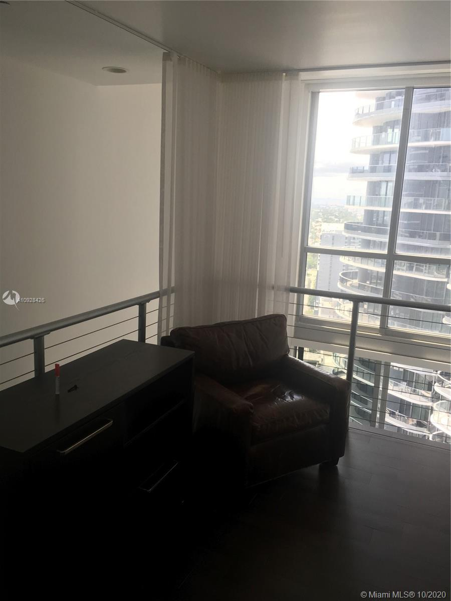 1050 Brickell Ave #3418 photo022