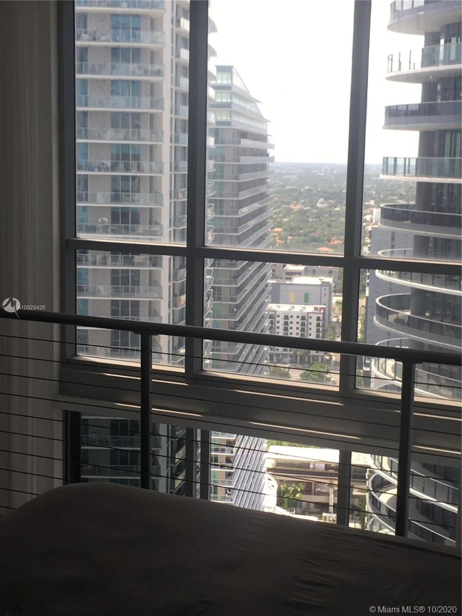 1050 Brickell Ave #3418 photo018