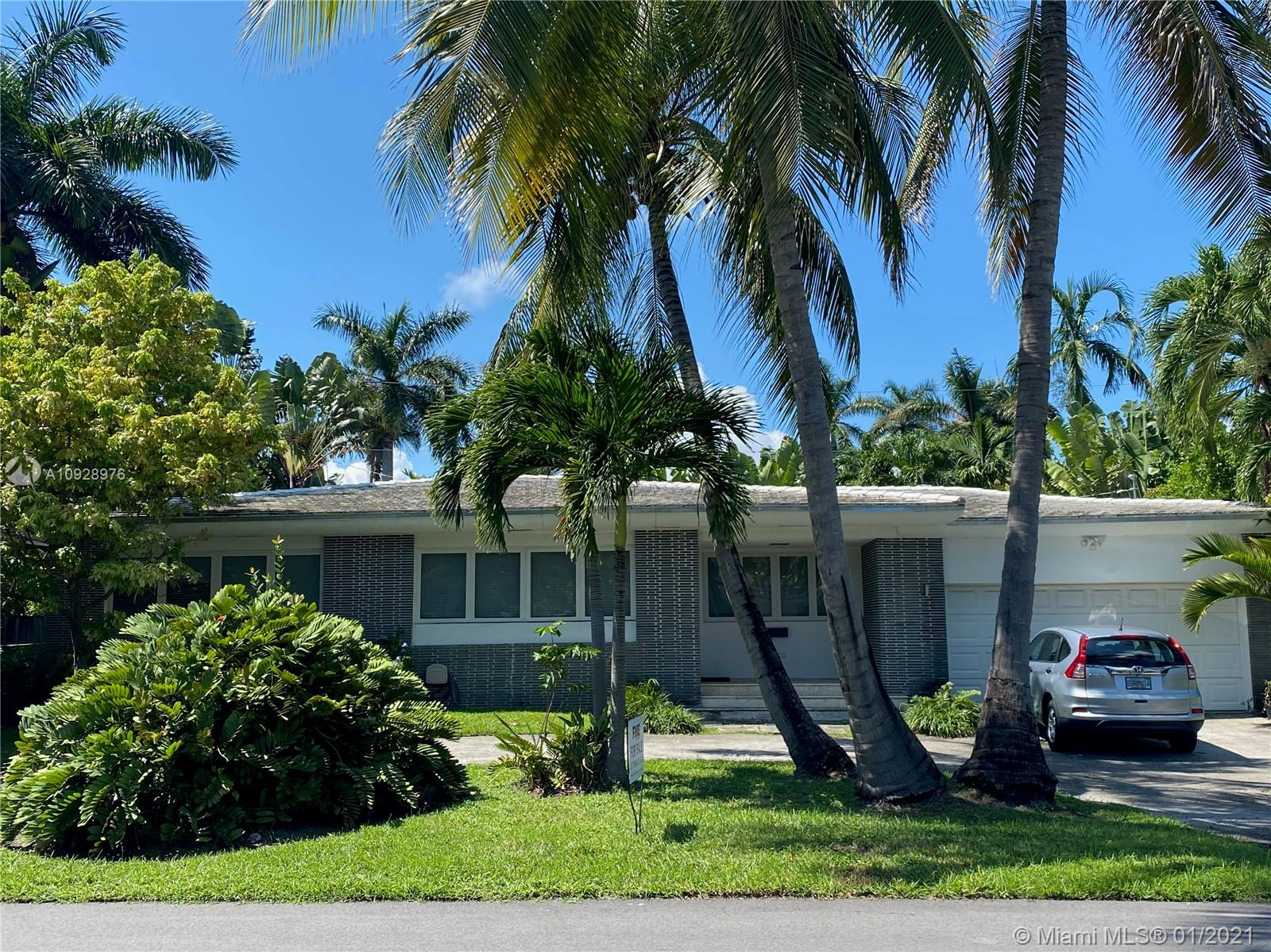 North Bay Island - 7720 Coquina Dr, North Bay Village, FL 33141