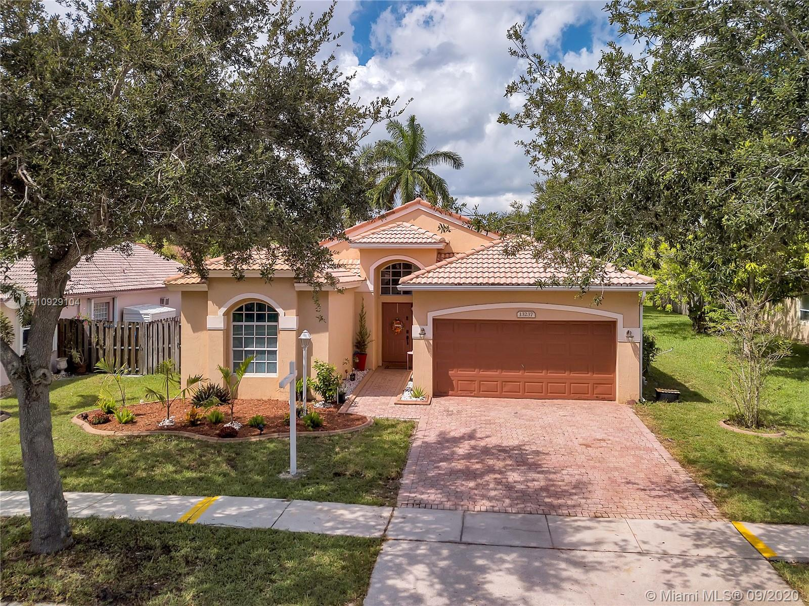 Property for sale at 13237 NW 15th Ct, Pembroke Pines,  Florida 33028