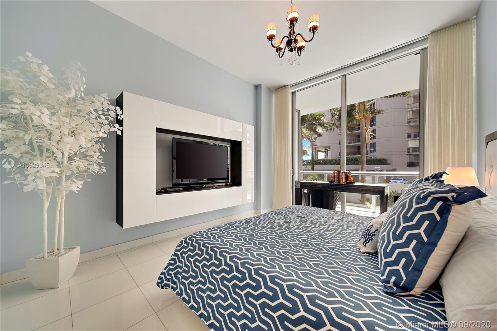 6799 Collins Ave #108 photo04