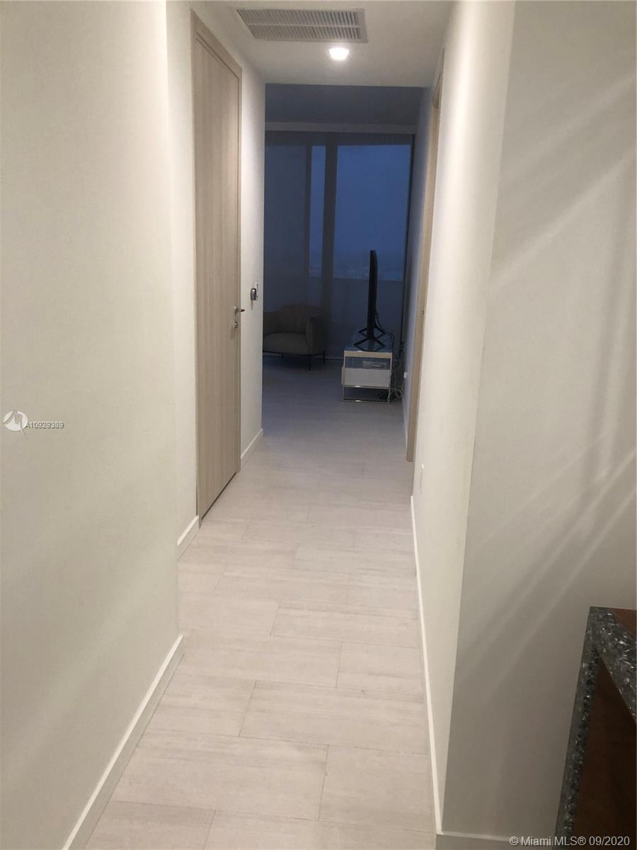 Photo of 1000 Brickell Plz #PH5605 listing for Sale