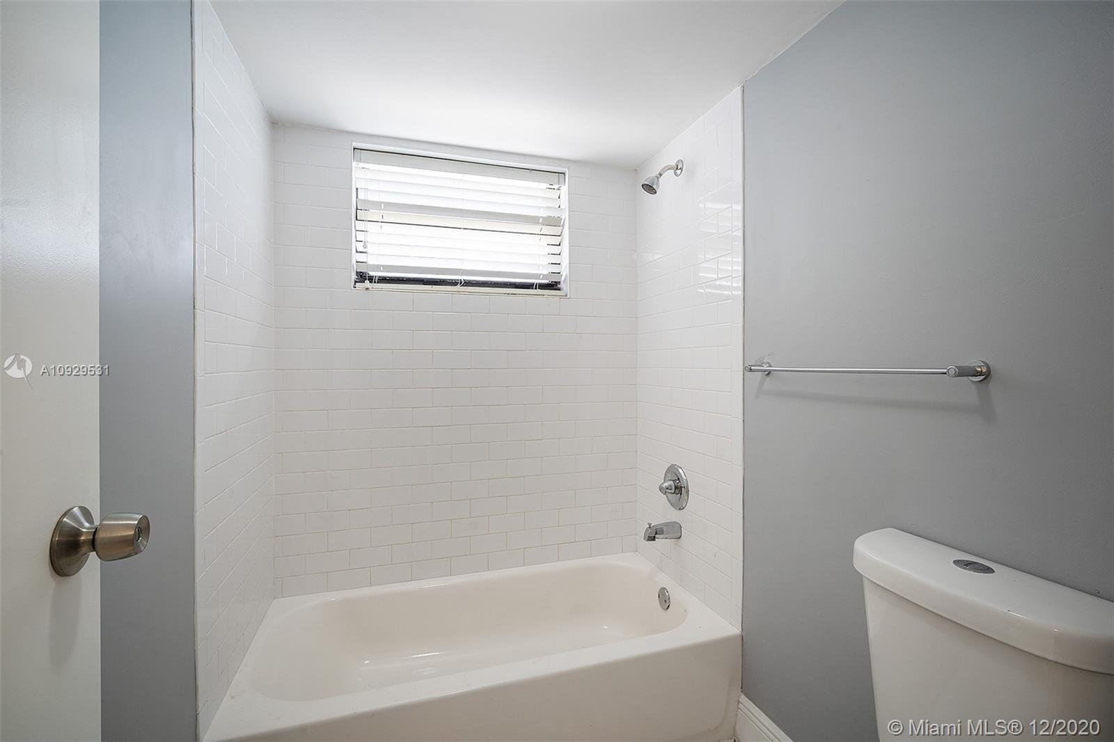 2625 Collins Ave #1208 photo016