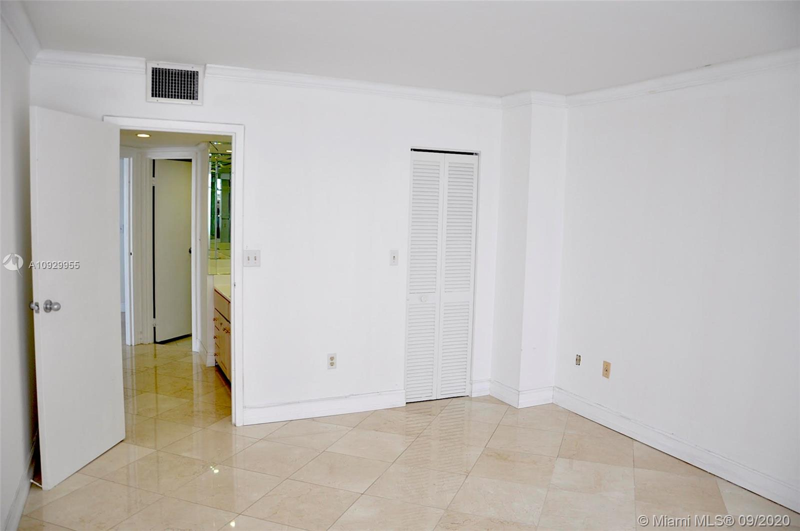 2333 Brickell Ave #1606 photo046
