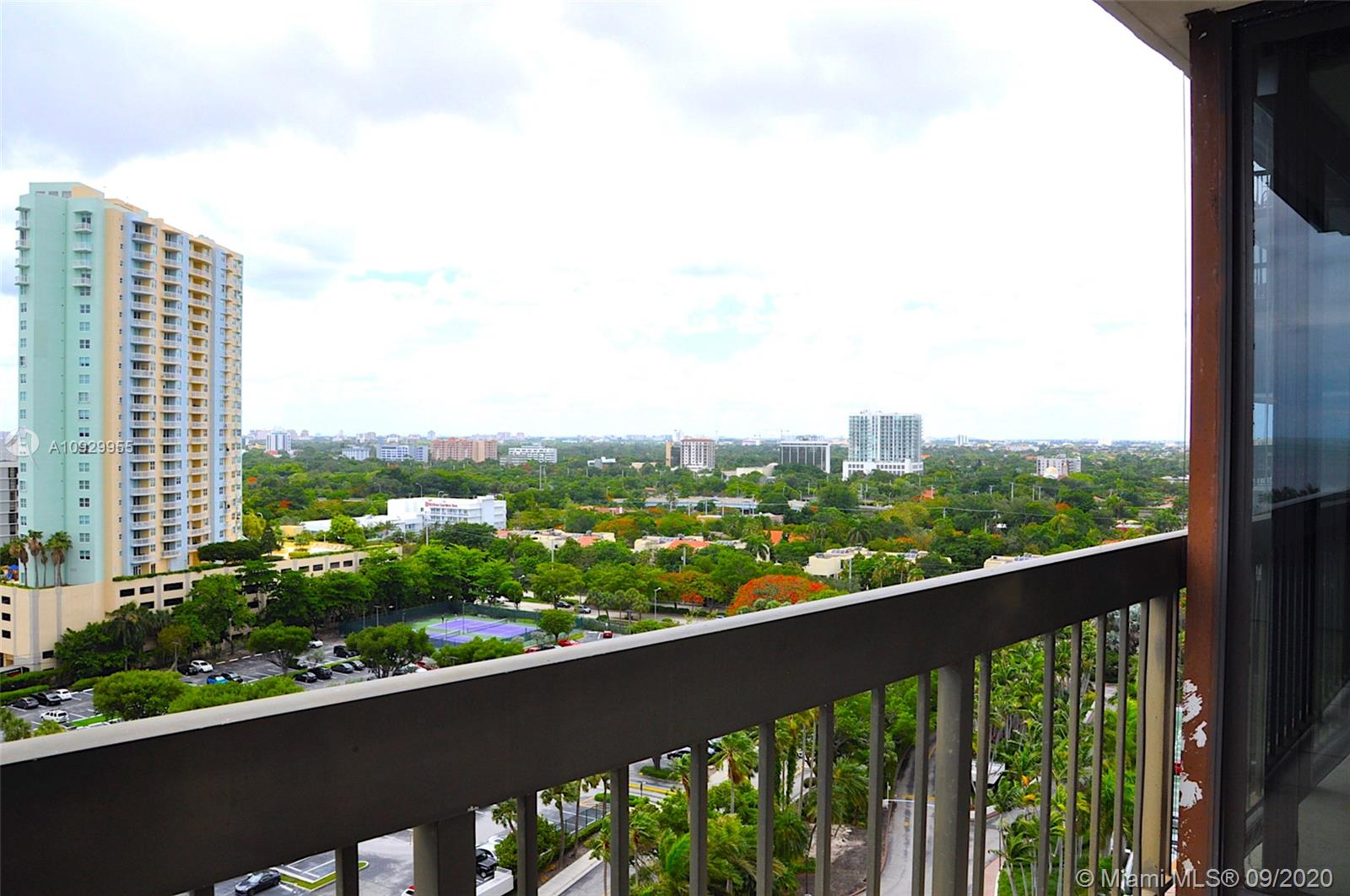 2333 Brickell Ave #1606 photo025