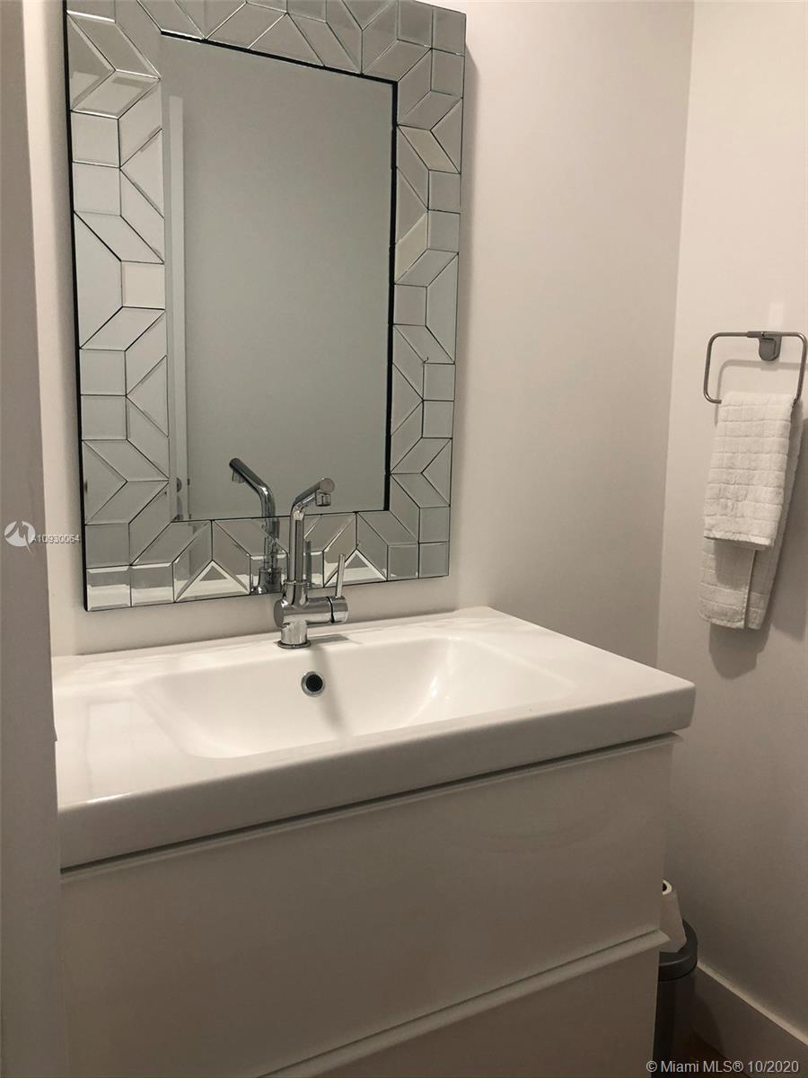 Photo of 888 Brickell Key Dr #2601 listing for Sale