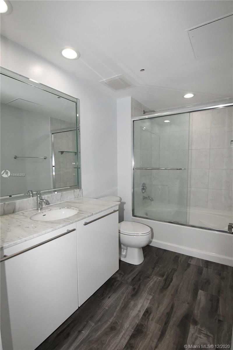 Photo of 950 Brickell Bay Dr #1102 listing for Sale