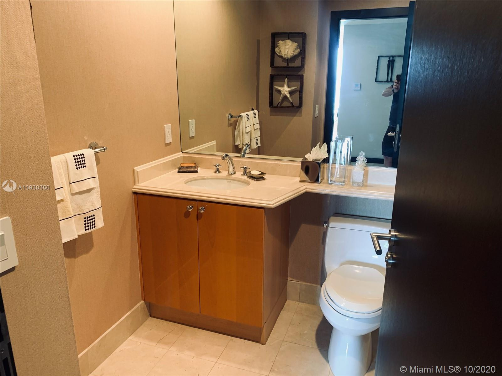 17875 Collins Ave #4402 photo022