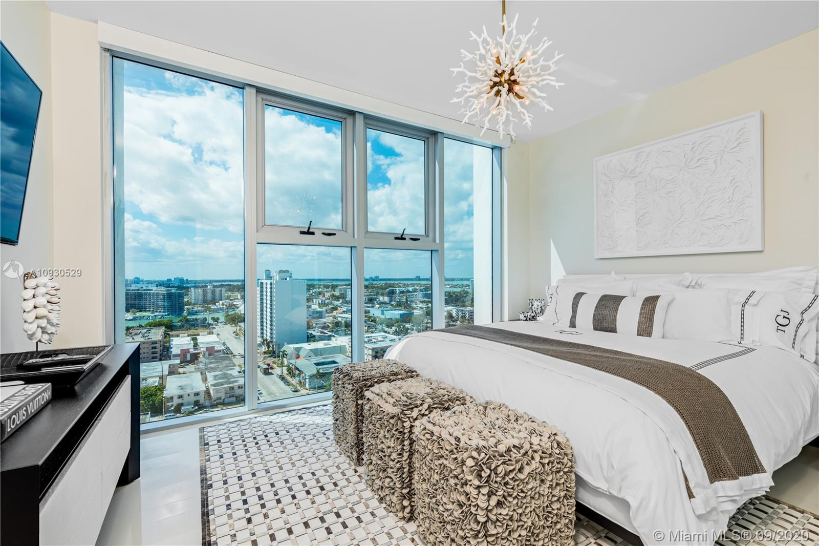 6899 Collins Ave #1703 photo06