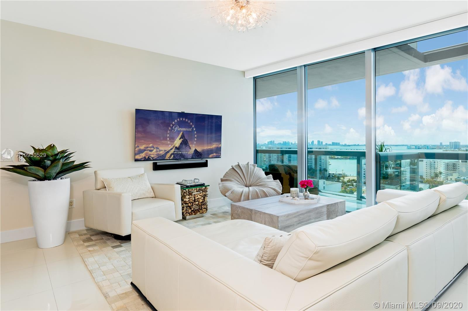 6899 Collins Ave #1703 photo01