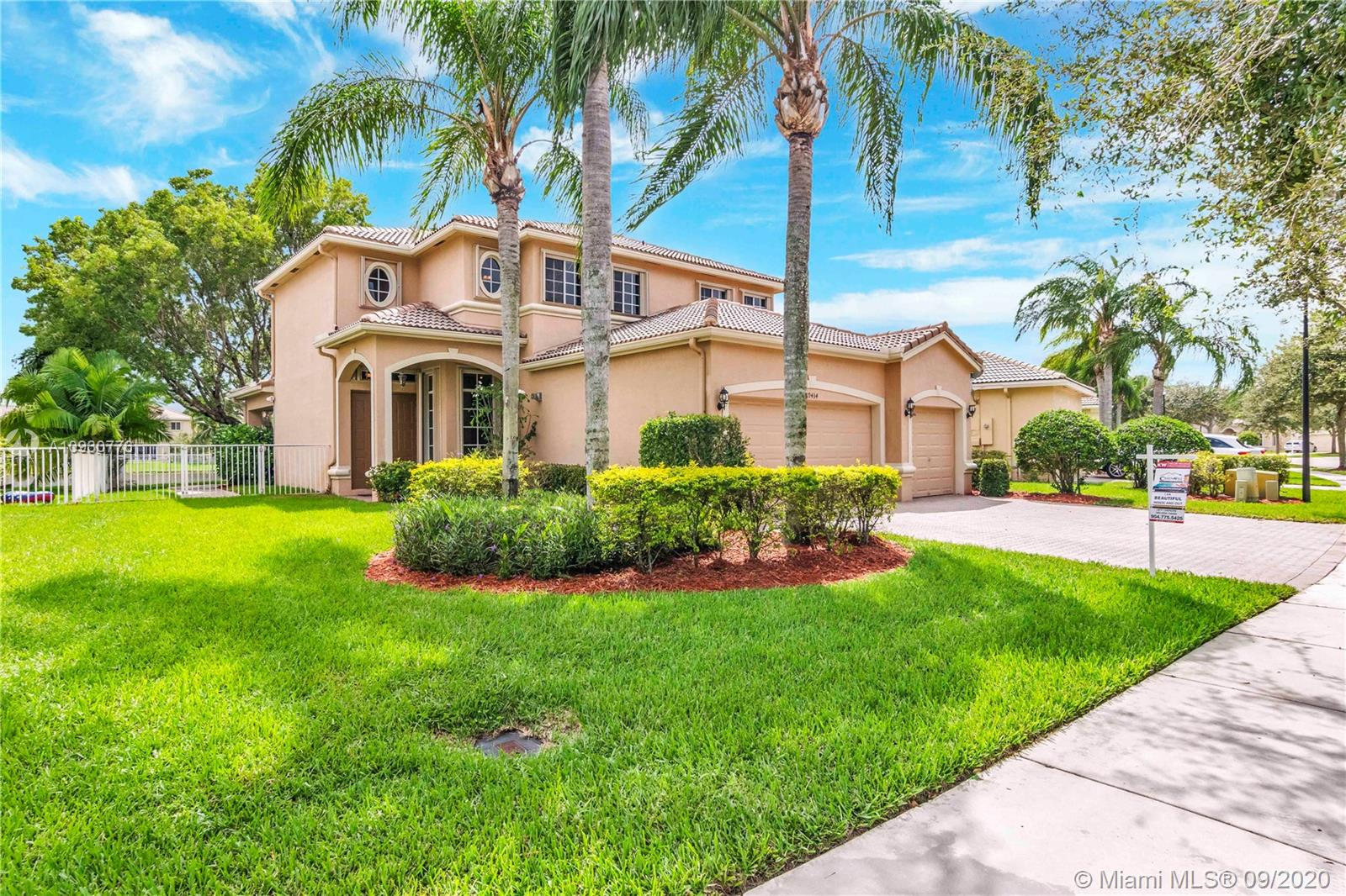 Property for sale at 19434 SW 60th Ct, Pembroke Pines,  Florida 33332