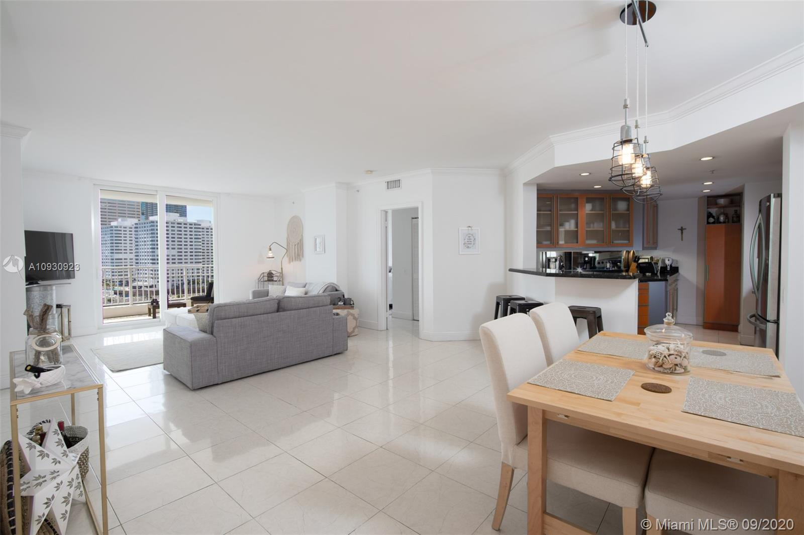 701 Brickell Key Blvd #1002 photo01