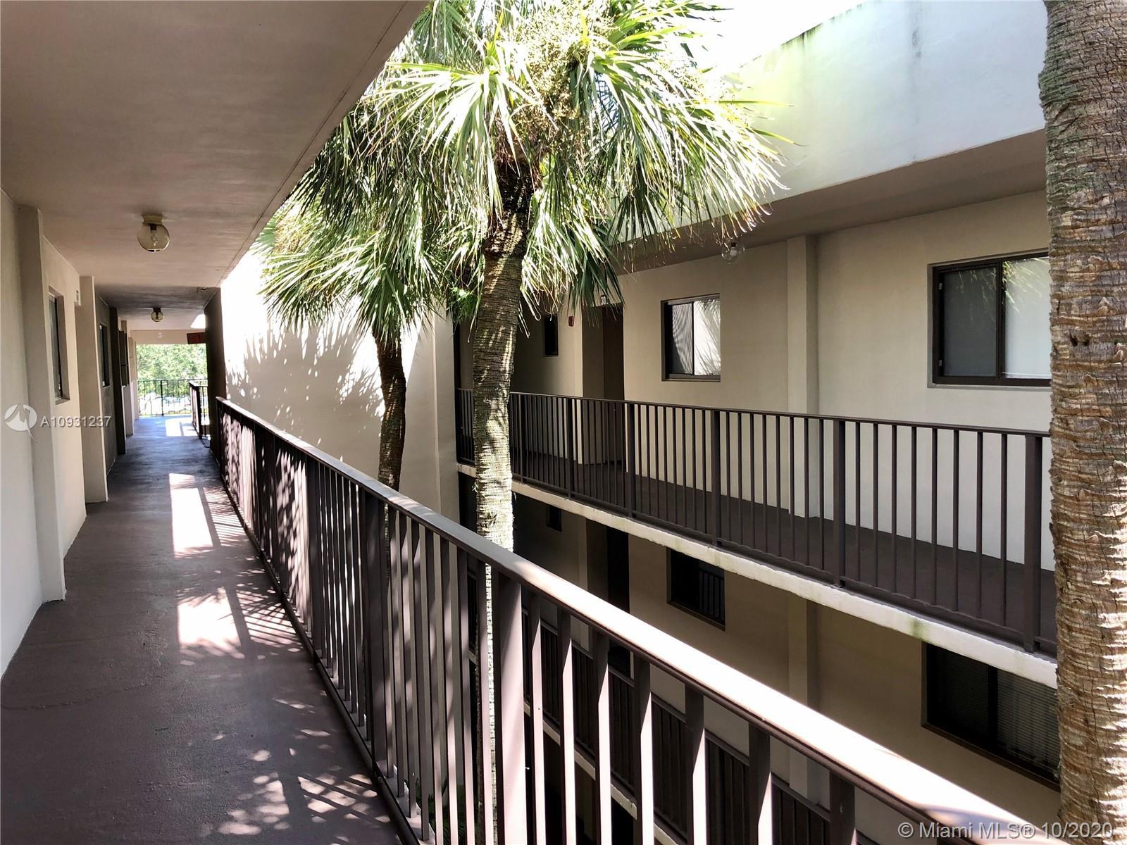 Property for sale at 5220 Las Verdes Cir Unit: 322, Delray Beach,  Florida 33484