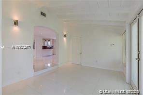9264 Dickens Ave photo05