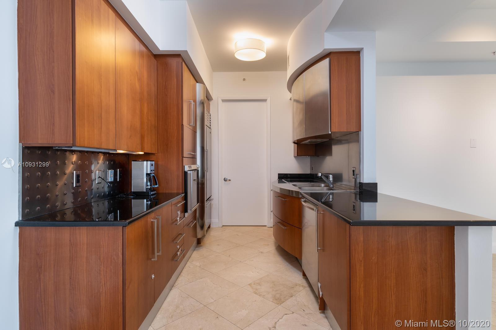 18101 Collins Ave #1002 photo07
