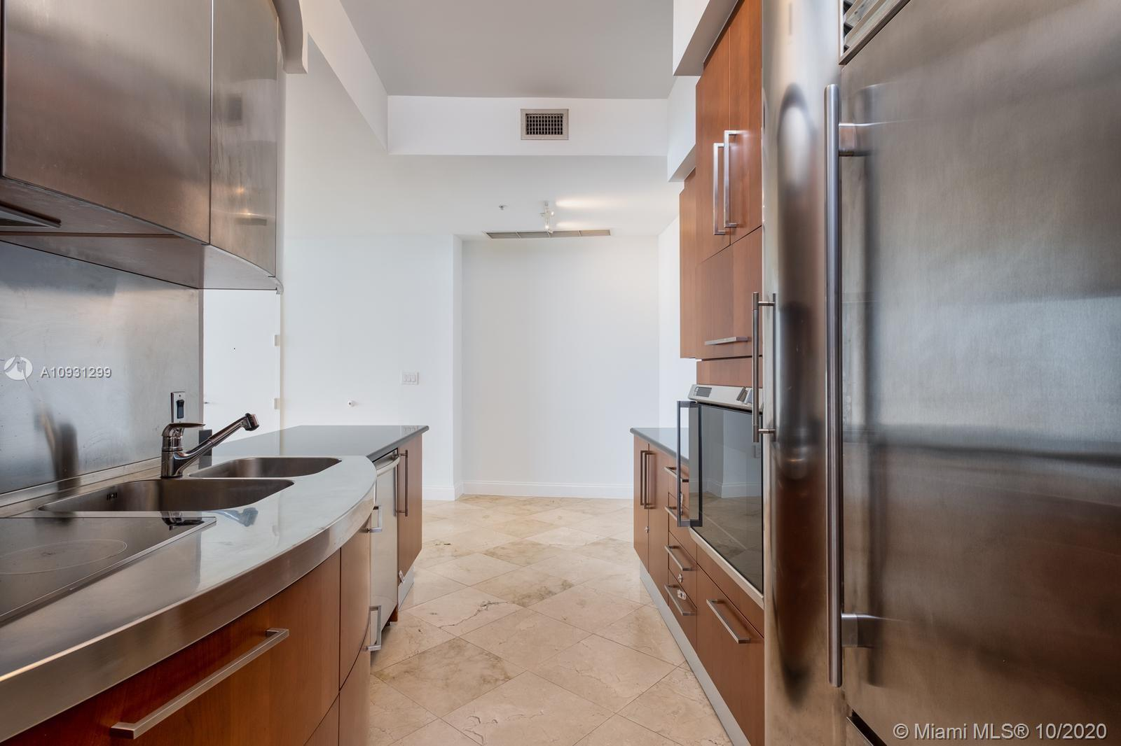 18101 Collins Ave #1002 photo08