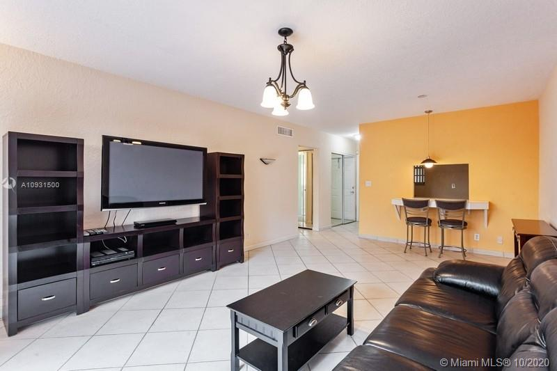 6713 N Kendall Dr # 606, Pinecrest, Florida 33156, 1 Bedroom Bedrooms, ,1 BathroomBathrooms,Residential,For Sale,6713 N Kendall Dr # 606,A10931500