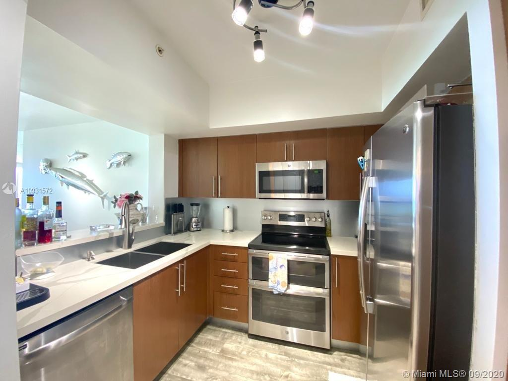 17375 Collins Ave #1601 photo03