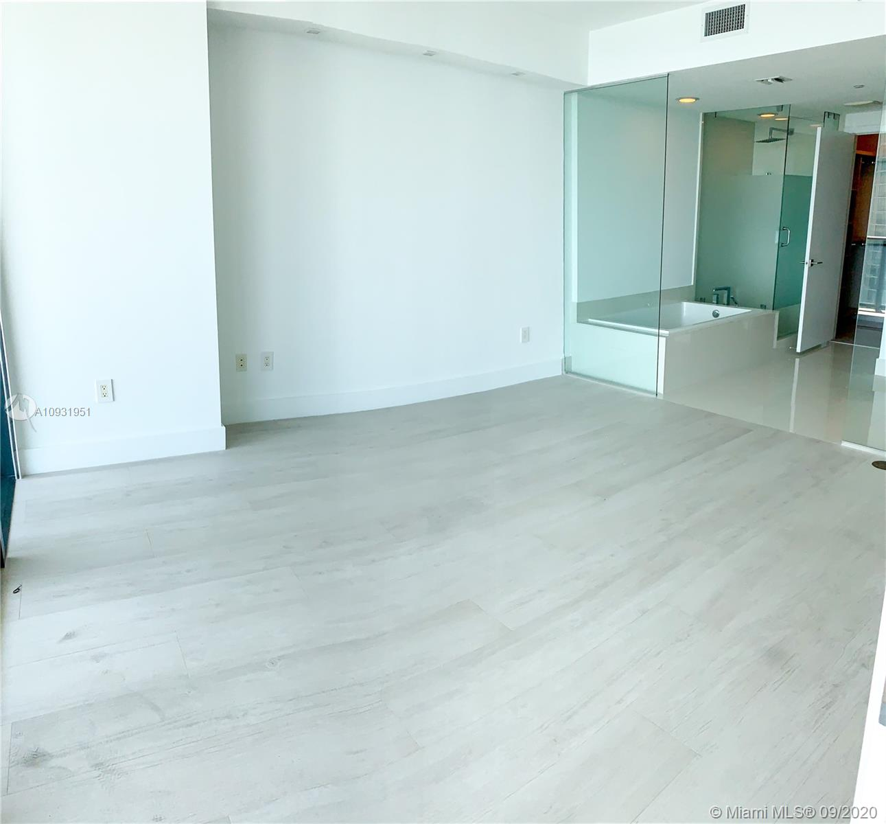Photo of 650 NE 32nd St #2204 listing for Sale