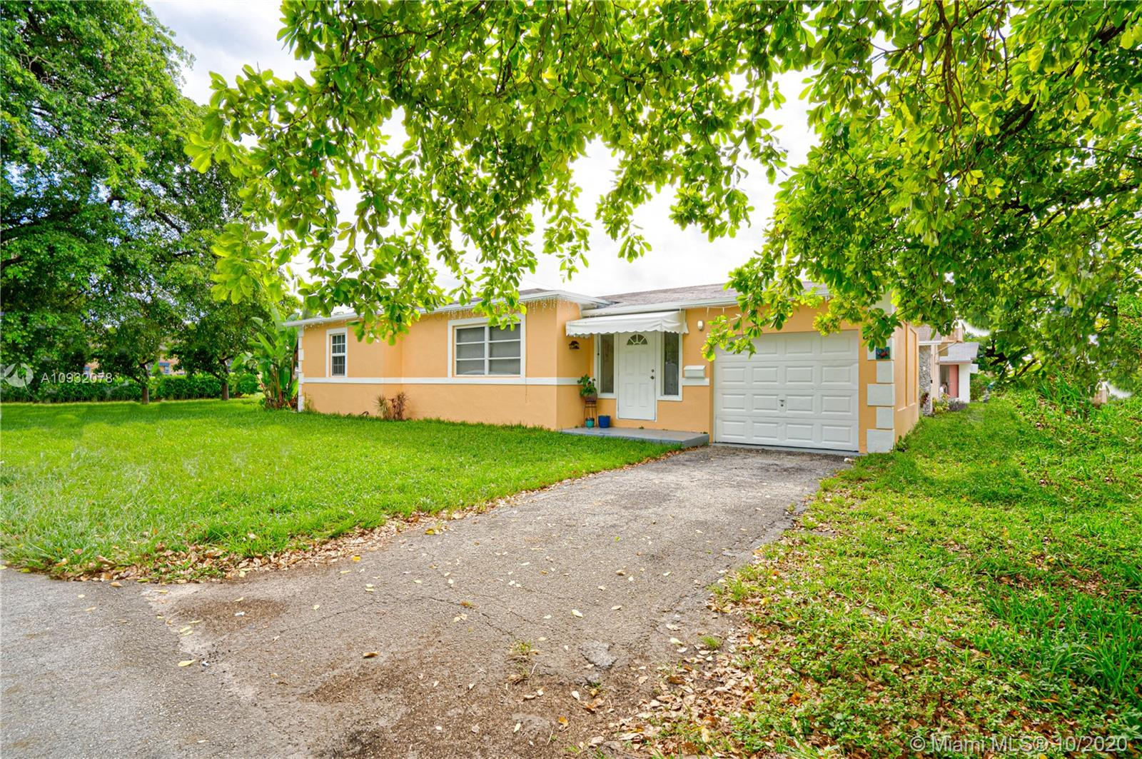 1824 N 23rd Ave, Hollywood, Florida 33020, 3 Bedrooms Bedrooms, ,2 BathroomsBathrooms,Residential,For Sale,1824 N 23rd Ave,A10932078