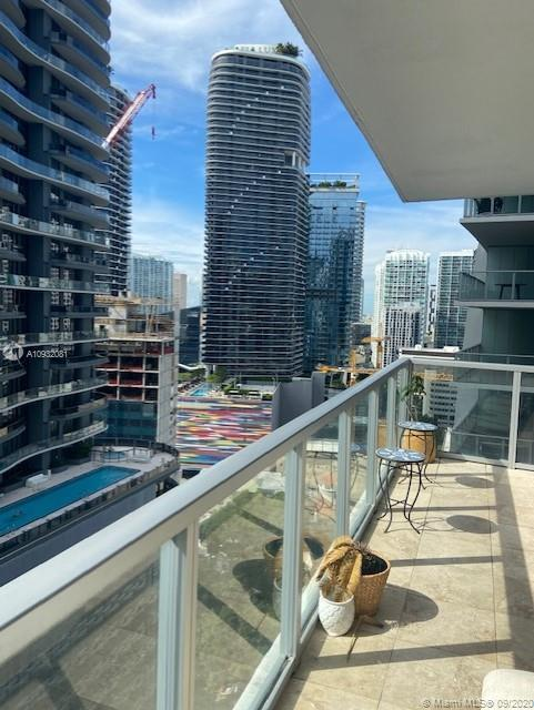 1050 Brickell Ave #2320 photo027