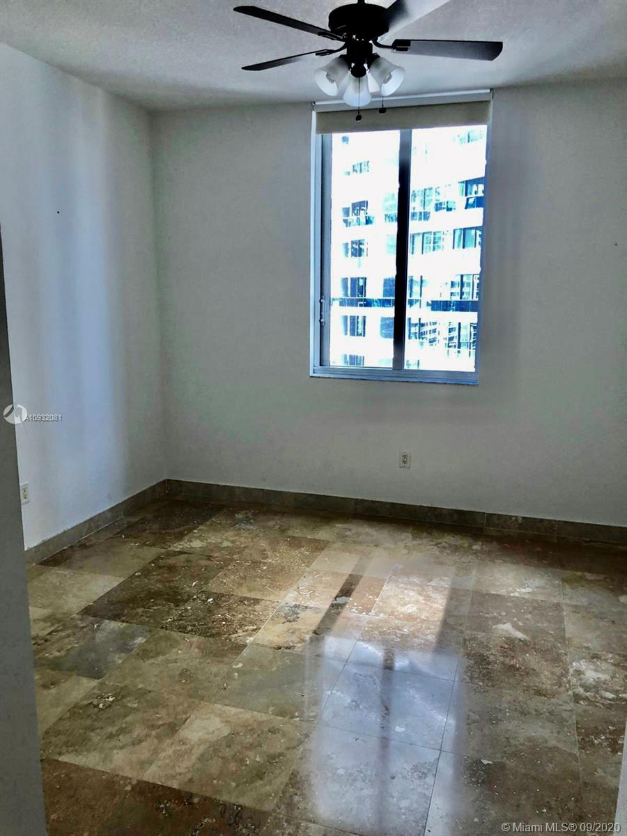 1050 Brickell Ave #2320 photo018
