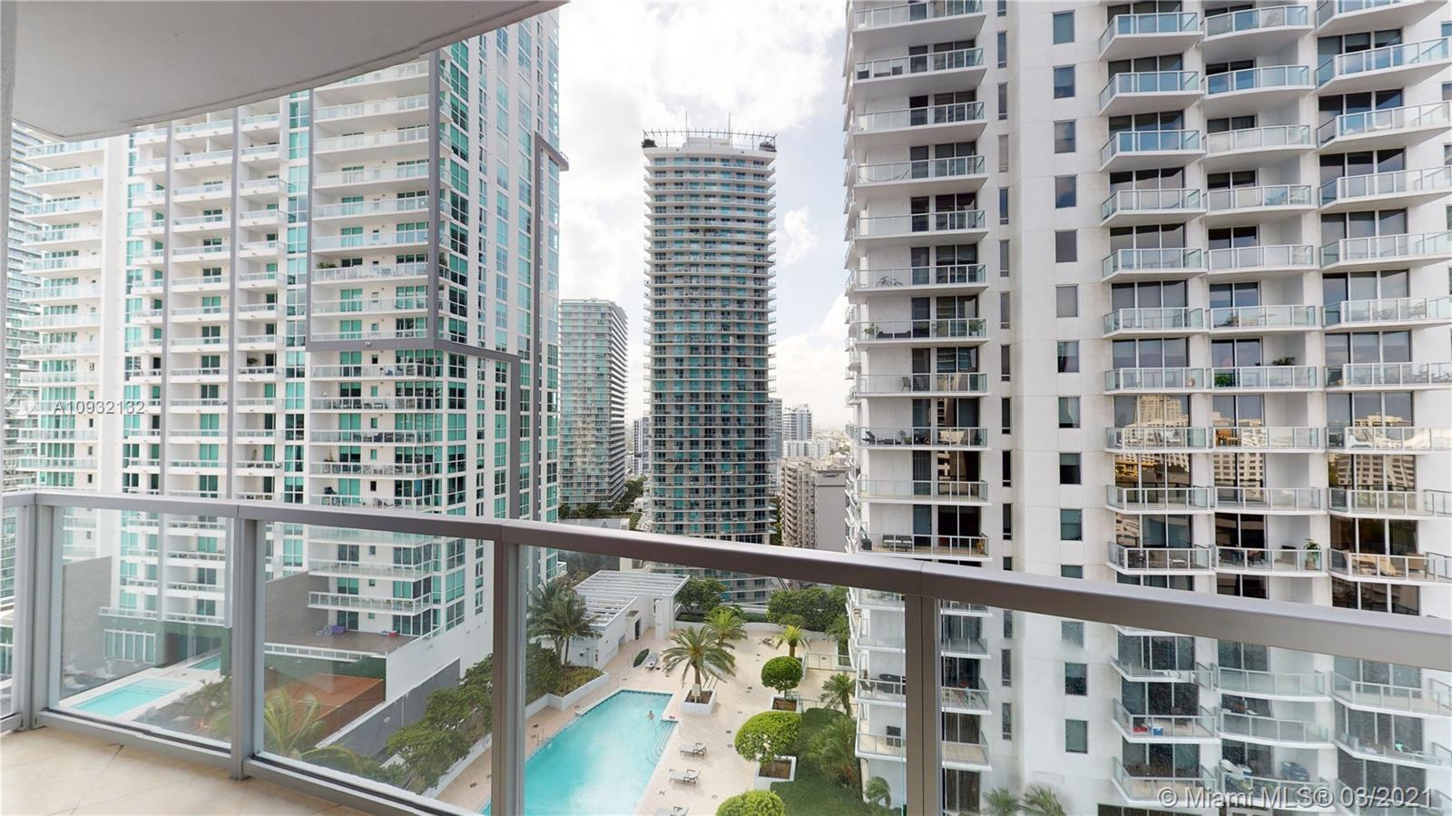 1060 Brickell Ave #2015 photo02